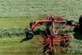 DE KUHN GA 9531 cirkelhark, harkt het gras als de beste!
